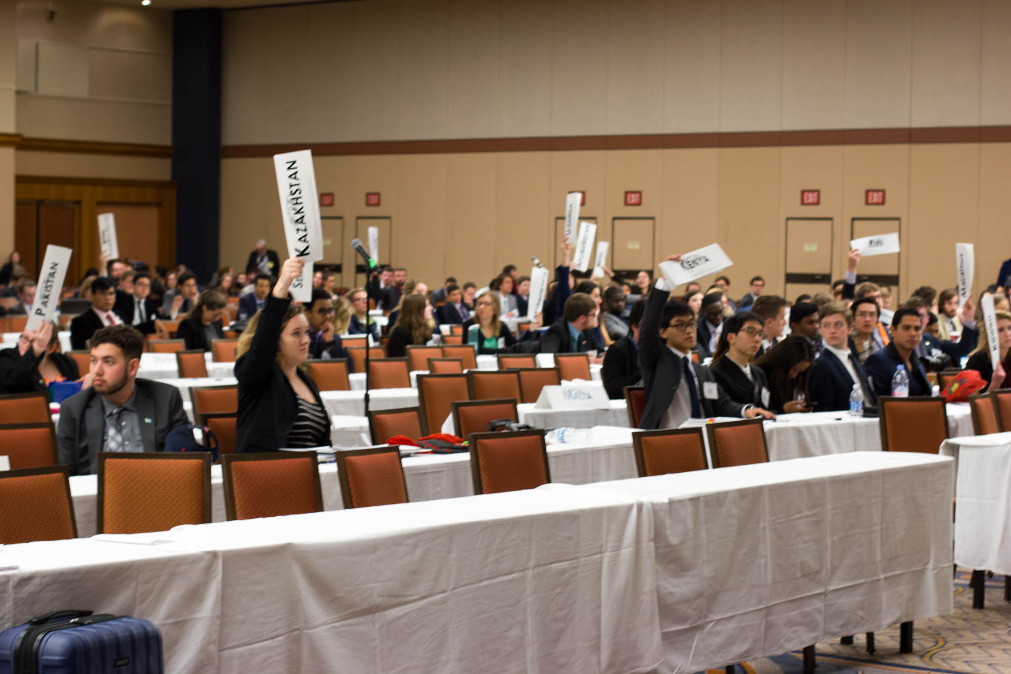 Model UN students at AMUN Chicago